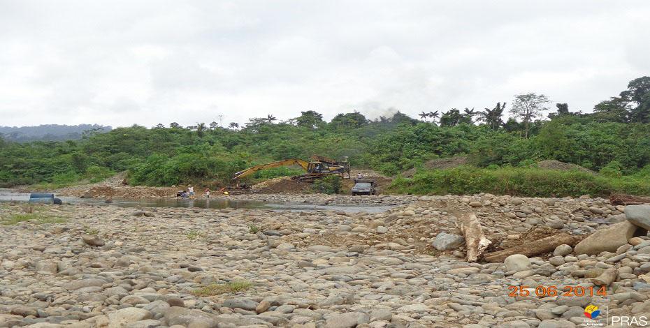 Minería aluvial, afectación por alteración de cause hídrico. (Esmeraldas. 2014)